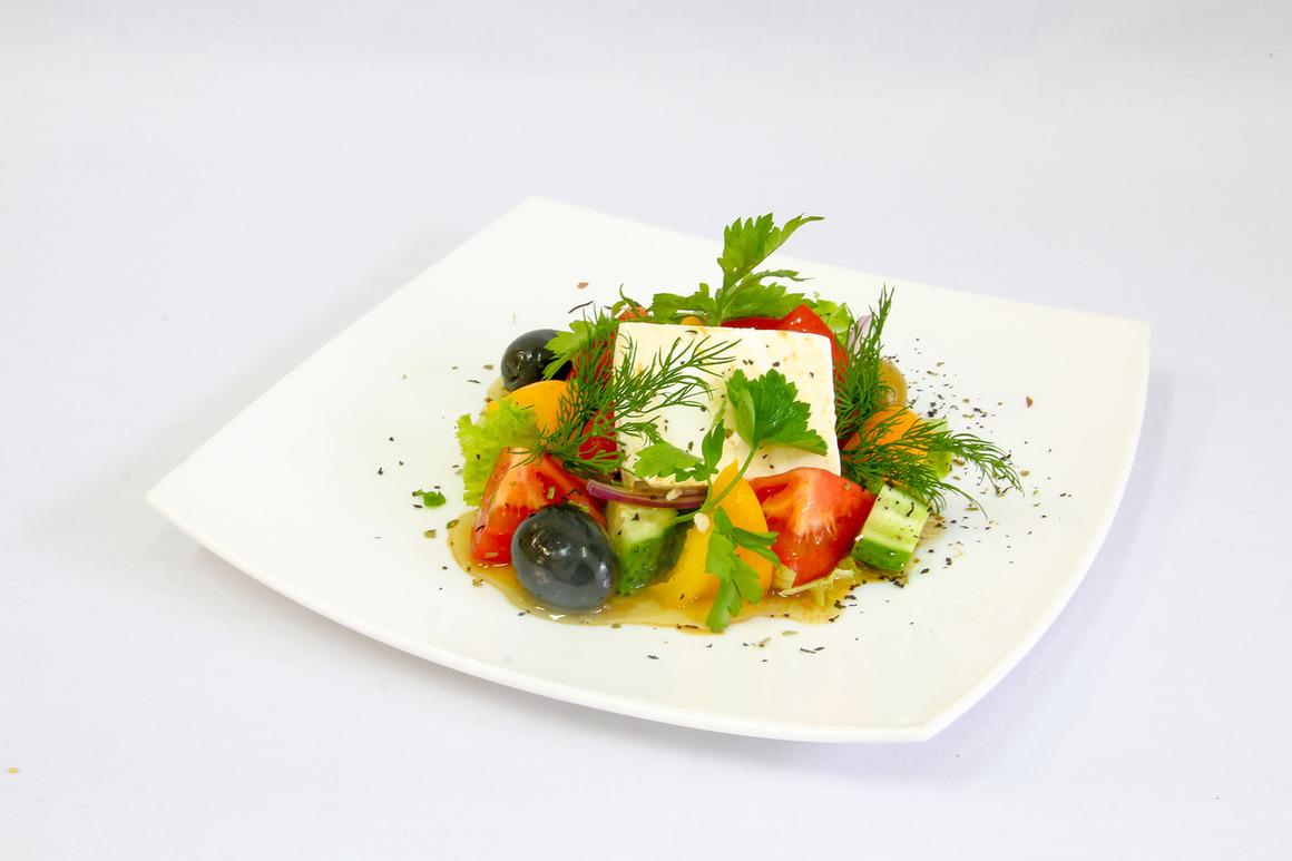 Греческий салат от ресторана